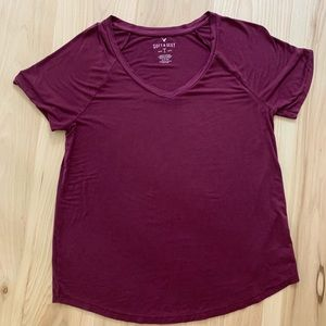AMERICAN EAGLE maroon soft and sexy tee
